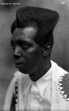 des photos de pr s de 100 ans montrent quel point la coiffure amasunzu rwandaise. Black Bedroom Furniture Sets. Home Design Ideas