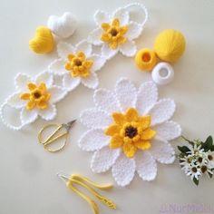 بِسْــــــــــــــــــــــمِ اﷲِارَّحْمَنِ ارَّحِيم Selâmün Aleyküm canalar musmutlu bayaramalar … – İğne Oyaları ve El İşleri Crochet Flower Patterns, Crochet Toys Patterns, Crochet Doilies, Crochet Flowers, Crochet Lace, Crochet Stitches, Embroidery Patterns, Poppy Crochet, Crochet Monsters