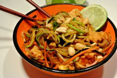 Foods that fool with #SundaySupper. Let this Chicken Pad Thai with Zoodles be your go-to low-carb recipe the whole family will enjoy.