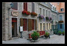 Place Royale, Old Quebec pinned by Renée Doiron// Place Royale dans le Vieux-Québec épinglé par Renée Doiron // quebecregion.com #quebec