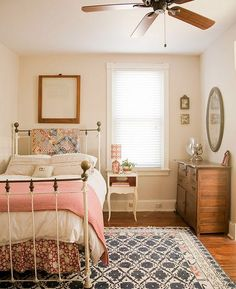 04/01/16 -Simple, country vibe bedroom - good for a spare room??? Love wooden floors with carpets over the top