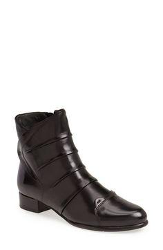 Everybody 'Farly' Boot (Women) Black Size 36.5 EU on Vein - getVein.com