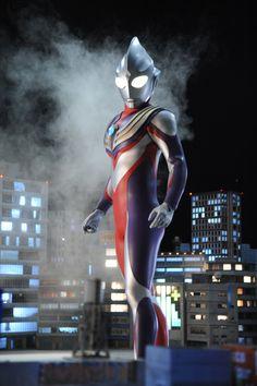 Ultraman Tiga in Ultraman X - The Movie: Here Comes! Our Ultraman Live Action, Ultraman Tiga, Ultra Series, Japanese Superheroes, Japanese Costume, Sci Fi Shows, Naruto Wallpaper, Cartoon Tv, Mobile Legends