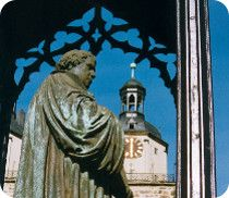 Heritage Travel: In the footsteps of Martin Luther. Visit Wittenberg and see the Luther Memorial on Market Square; © Wittenberg, Fremdenverkehrsbüro