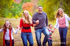 Fun family photo shoot with family of 5! Provo Canyon Family Photos : hiya papaya photography
