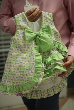 MidnightOilSmockers I used to make these for Grace all the time when she was a baby. LOVE The added ruffles!