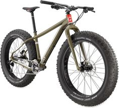 The affordable sibling of the deluxe CAAD the CAAD 2 bike features a Fatty-Fat Rigid fork and compact crankset for a smooth, versatile ride that's ready to roll over sand or snow. Cannondale Bikes, Green Clay, Cargo Bike, Fat Bike, Bow Hunting, Cool Bikes, Mtb, Mountain Biking, Motorbikes