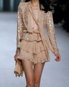 Hair and beauty Elie saab spring sparkle, Elie saab spring rea. - Hair and beauty Elie saab spring sparkle, Elie saab spring ready to wear, Elie sa - Look Fashion, Runway Fashion, Fashion Art, High Fashion, Womens Fashion, Fashion Trends, Party Fashion, Classy Outfit, Looks Style