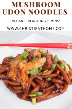 Meatless Recipes, Savoury Recipes, Savoury Dishes, Lunch Recipes, Drink Recipes, Cooking Recipes, Homemade Chow Mein, Udon Noodles, Delicious Dinner Recipes