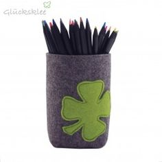 Wenn der mal kein Glück bringt! Stiftebecher mit Klee - Applikation - ein tolles Geschenk.