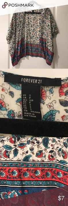 Kimono Forever 21 printed kimono. Worn once in excellent condition!! Size small. Forever 21 Tops