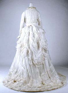 Victorian Cotton Dress, 1875–85. [Image credit: The Metropolitan Museum of Art, Gift of Gift of Richard Martin, 1993. Accession Number: 1993.35.1a–c. Metropolitan Museum of Art - Gallery Images, www.metmuseum.org]