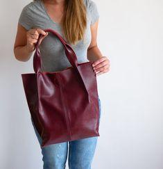 4682acaeaef0f 60 beste afbeeldingen van Leather tote bags in 2019 - Leather totes ...