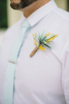 Boutonnieres: http:/