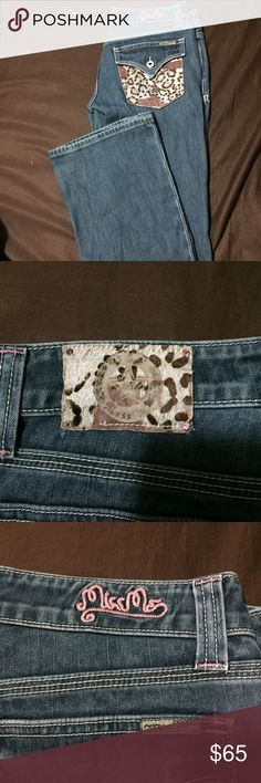 Miss Mes with cow pocket Gorgeous miss Mes have a lot of like left in them bottom of the jeans are in great condition 29/34-35 not sure on inseam but they're long on me Miss Me Jeans Boot Cut
