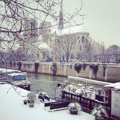 Notre Dame en neige.