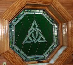 Celtic Knot stained glass window from The Irish Inn located in Ozark Stained Glass Projects, Stained Glass Art, Stained Glass Windows, Mosaic Glass, Leaded Glass, Celtic Symbols, Celtic Art, Celtic Knots, Celtic Crosses