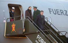 Presidente Santos llega a Oslo junto a su esposa, María Clemencia Rodríguez.