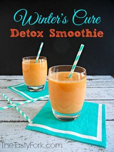 Vitamix Winter's Cure DETOX Smoothie is loaded with fruits and veggies! Juice Smoothie, Smoothie Drinks, Detox Drinks, Healthy Smoothies, Healthy Drinks, Smoothie Recipes, Healthy Snacks, Carrot Smoothie, Ginger Smoothie