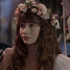 Find images and videos about icon, A Series of Unfortunate Events and malina weissman on We Heart It - the app to get lost in what you love. Pretty People, Beautiful People, A Series Of Unfortunate Events Netflix, Les Orphelins Baudelaire, Tumblr Wallpaper, Grunge Hair, Celebs, Celebrities, Face Claims