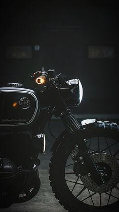 Auto Car Insurance Info and Guide Overview Cafe Racer Build, Cafe Racer Bikes, Cafe Racer Motorcycle, Classic Motorcycle, Cafe Racers, Moto Fest, Royal Enfield Wallpapers, Bullet Bike Royal Enfield, Enfield Bike