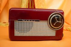 Vintage 1955 Wales B 46 Tube Radio Plastic Cabinet AS IS Collectors Take Note…