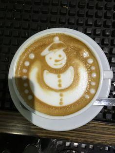Latte Art Free Pour