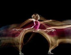 Foto a Fuoco: Fotografare il movimento : Espirit de Corps...La danza è una scia!