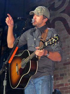 country-music:    Luke Bryan…