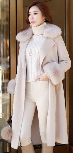 StyleOnme_Premium Fox Fur Trim Cashmere Long Coat #foxfur #cashmere #coat #elegant #koreanfashion #kstyle #kfashion #wintertrend #seoul