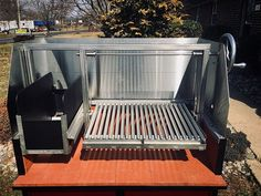 Inside the Gaucho Grills Supremo model. 🔹Brasero with Shuttle Plate V Channel Grill Plates 🔹Full Fire Brick Hearth Floor 🔹Stainless Steel Wind Guards 🔹Drip Trays 🔹Rotisserie Mounts (Motor, Spit Rod & Forks included but not shown) . Barbecue Design, Grill Design, Diy Grill, How To Grill Steak, Gaucho, Argentina Grill, Asado Grill, Custom Bbq Pits, Outdoor Grill Station