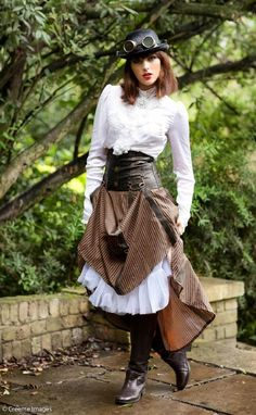 kleidung Elegant steampunk costume for girls to mimic Family Vegetation And Pests Family vegetation Steampunk Mode, Chat Steampunk, Style Steampunk, Steampunk Couture, Steampunk Corset, Steampunk Cosplay, Victorian Steampunk, Steampunk Clothing, Steampunk Fashion