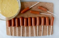 Heerlijke zelfgemaakte Corndogs, Ideaal voor op feestjes!!