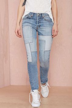 Shop jeans for women in any style at Nasty Gal, from skinny to straight, high-waisted & more. Distressed jeans are a must these days! Jeans Casual, Casual Outfits, Flannel Outfits, Urban Fashion Girls, Womens Fashion, Fashion Kids, Denim Fashion, Fashion Outfits, Fashion Menswear
