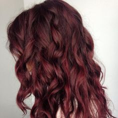 Hair colors are in demand nowadays and plain black or blonde hair look highly outdated. Even young girls tend to dye their hair with various colors. Today we found this amazing new shade which can be Black Cherry Red Hair, Cherry Hair Colors, Black Cherry Color, Dark Red Hair, Color Your Hair, Red Hair Color, Red Hair Streaks, Blonde Hair Looks, Gorgeous Hair