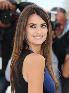 The 6 Most Flattering Haircuts for Round Faces: Hair Ideas: allure.com
