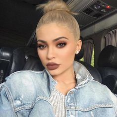 These Are The 10 Supreme Beauty Trends in 2019 Ecemella - 15 makeup Inspo kylie jenner ideas Makeup Trends, Beauty Trends, Makeup Inspo, Makeup Inspiration, Makeup Tips, Beauty Makeup, Beauty Hacks, Face Makeup, Makeup Ideas