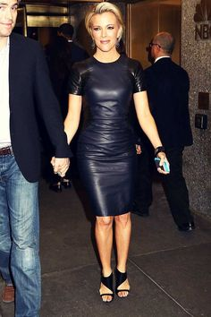 Megyn Kelly Holds Hands with Husband Douglas Brunt Amid Massive Book Deal!: Photo Megyn Kelly and her husband Douglas Brunt walk hand-in-hand while leaving NBC Studios on Thursday evening (February in New York City. The Fox News… Black Leather Jacket Outfit, Black Leather Dresses, Leather Skirts, Megyn Kelly, Bodycon Dress Parties, Leather Design, Leather Fashion, Fashion Black, Elegant