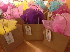 Cheap Hen Do Survival Kit Hen Party Survival Kit. Hen Do Party Bags, Diy Party Bags, Hen Party Favours, Hen Party Gifts, Party Ideas, Hen Party Survival Kit, Hangover Survival Kit, Survival Kit Gifts, Survival Supplies