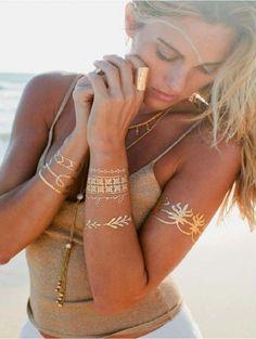 Så har vi fået lækre Glam Tattoos i shoppen. De virker ligesom dem fra tyggegummipakkerne men kommer i store ark med mange på og har meget flotte guld og sølv farver. https://perfect-body.dk/glam-metallic-tattoo-stickers
