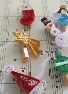 Week Fifty: Quilled Christmas Card Pegs #quilling #christmas