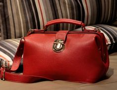 RED VINTAGE SMALL DOCTOR BAG $43.00