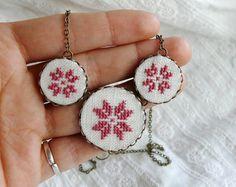 Scandinavian star necklace dusty pink cross stitch by skrynka Cross Stitching, Cross Stitch Embroidery, Embroidery Patterns, Cross Stitch Patterns, Mini Cross Stitch, Star Necklace, Palestine, Dusty Pink, Craft Fairs