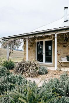 Favourite front and back small yard garden design ideas 10 - Modern Farm Cottage, Modern Cottage, Cottage Style Homes, Cottage Design, Garden Cottage, House Design, Cottage Ideas, Australian Country Houses, Australian Garden Design
