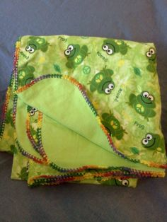 Love this cute peace frog baby blanket!