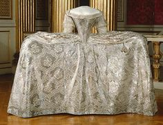 Slightly out of control w/the panniers. How did she maneuver this in a carriage or to sit? Sofia Magdalena Queen of Sweden, Wedding Gown, circa 1766