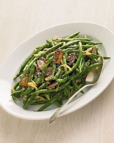 green beans with creamy mushrooms and shallots #thanksgiving #healthy #recipe