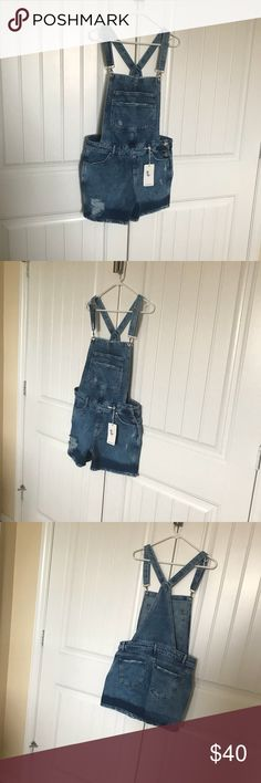 ✨New with tags denim overall👖shorts jumper 😍💙 Brand new with tags   It's basic denim   Super cute shorts jumper overall jumpsuit in jeans   All my items come from a pet free smoke free home 🏡   Fast shipping 💨  Same day or next day depending on on time of purchase Jeans Overalls