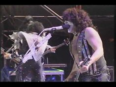 Concert footage of Kiss matched to the CD track 'Stand' off Sonic Boom Kiss Music Videos, Eric Carr, Hot Band, My Music, Concert, Movie, Music, Recital, Concerts