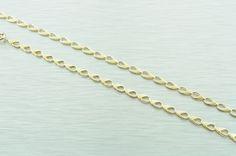 Zlatá dámska retiazka vyrobená zo žltého 14 karátoveho zlata.